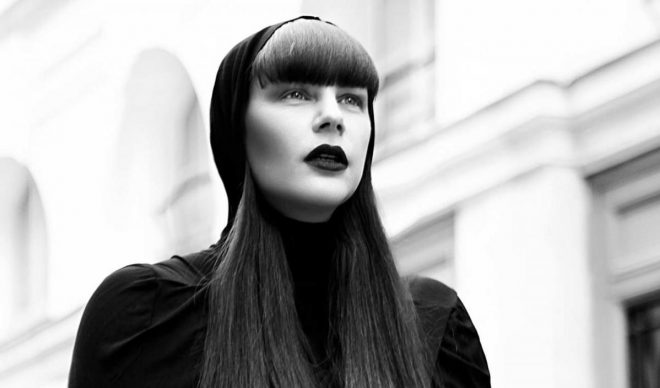 Arrancamos la semana escuchando  un set de Miss Kittin