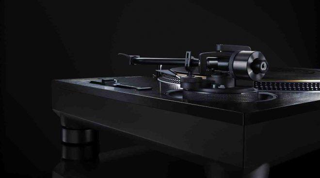 Technics presenta la edición limitada SL-1210Gae giratoria