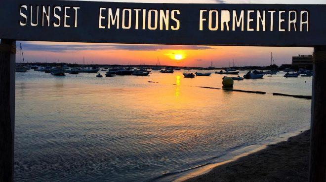 El concepto Yambani este sábado 17 en la puesta de sol del Hostal La Savina de Formentera.