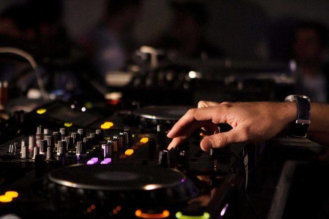 APPLE MUSIC ha desarrollado una nueva tecnología que permite a los artistas monetizar sus mixes.