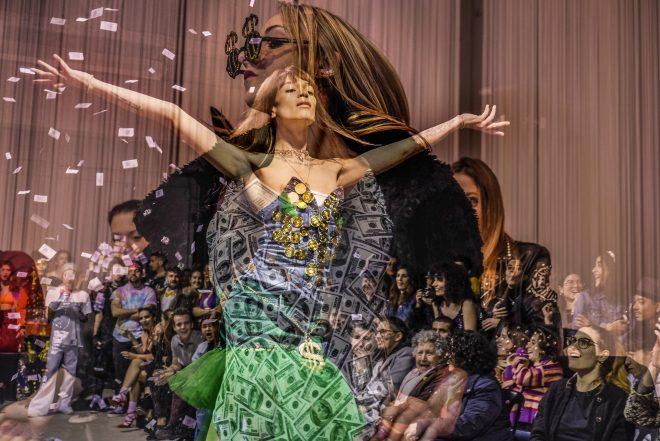 La Skimal inaugura la primera exposición fotográfica en España sobre el voguing en el marco del Octubre Trans de Sabadell