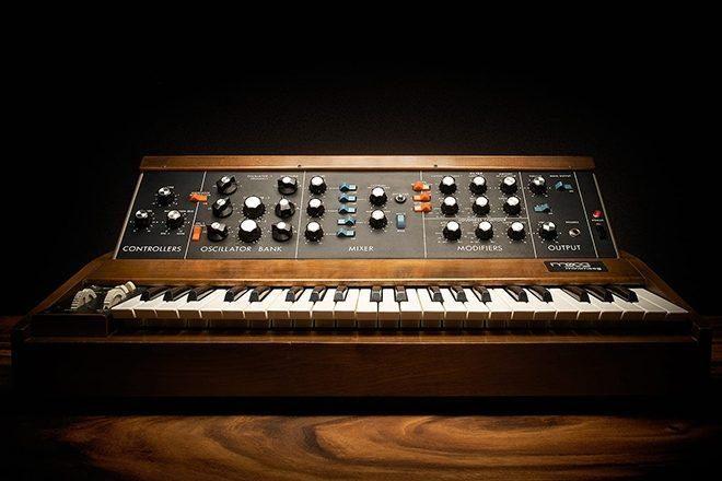 Un nuevo libro escrito e ilustrado por Oli Freke celebra la evolución de los sintetizadores