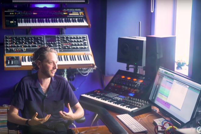 Detrás de la banda sonora de 'Uncut Gems' con Daniel Lopatin y Moog